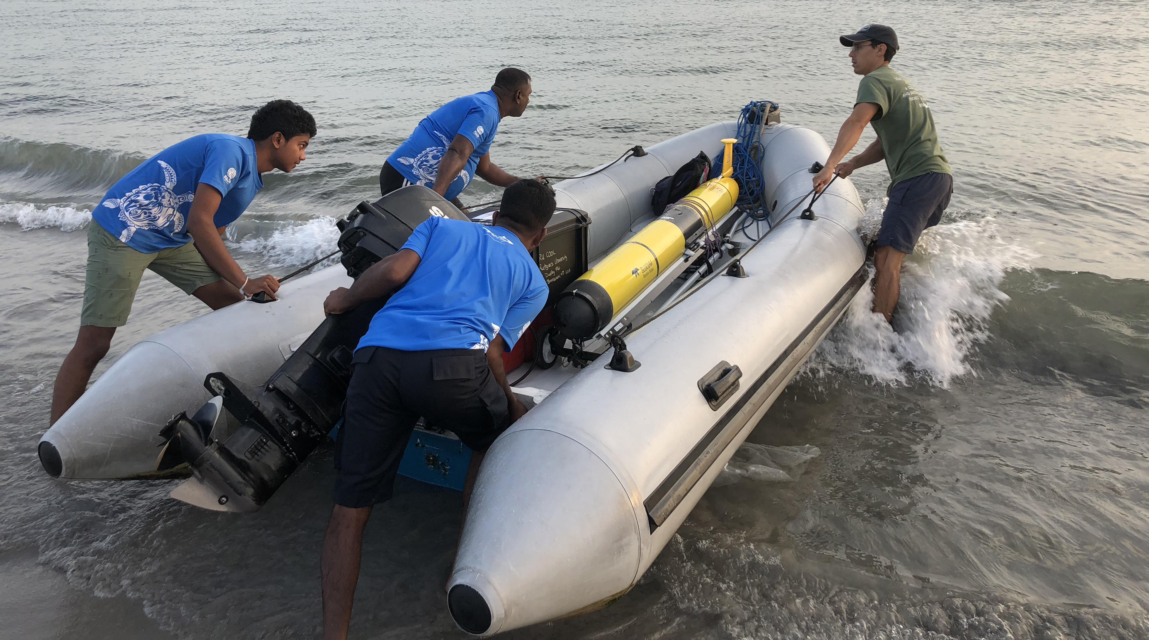 Crew Prepares RU29 Challenger Deployment