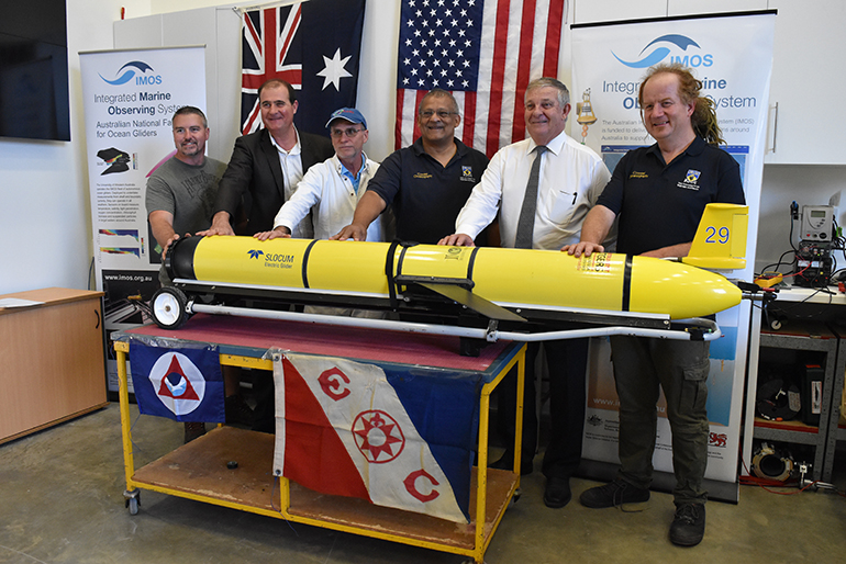 perth ceremony glider record indian ocean